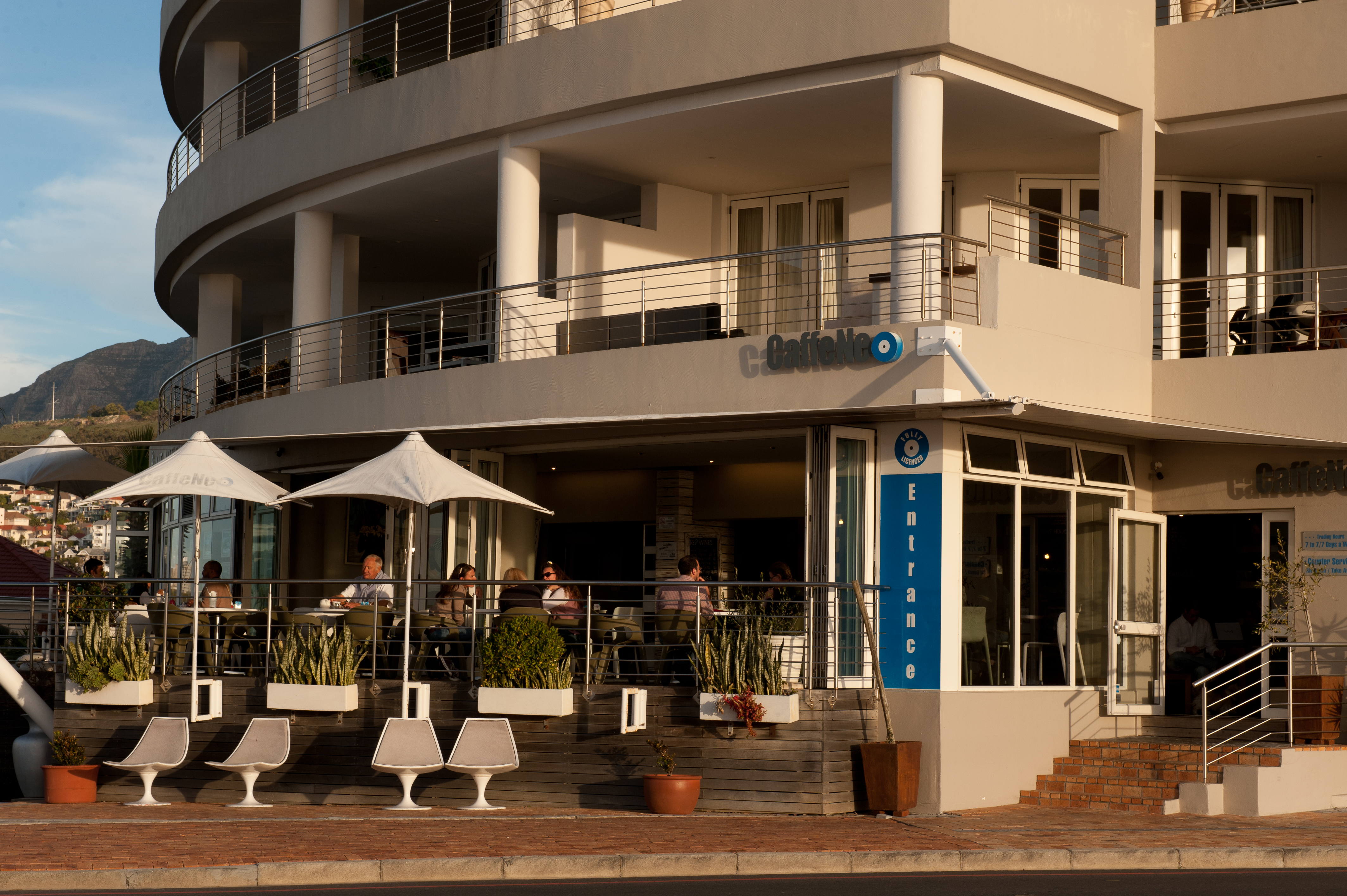 Cafe Neo in Mouille Point