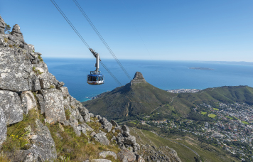 Village n Life Tours - Table Mountain
